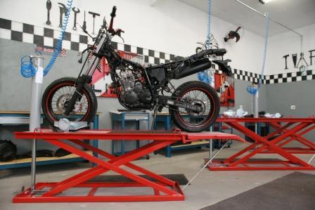 Buscando sua independêndia profissional? Saiba como montar um motocenter.